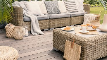 How To Extend Summer with Seasonal Outdoor Décor
